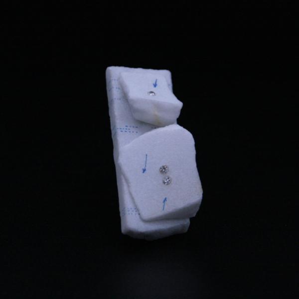 Broche en pierre blanche et diamants