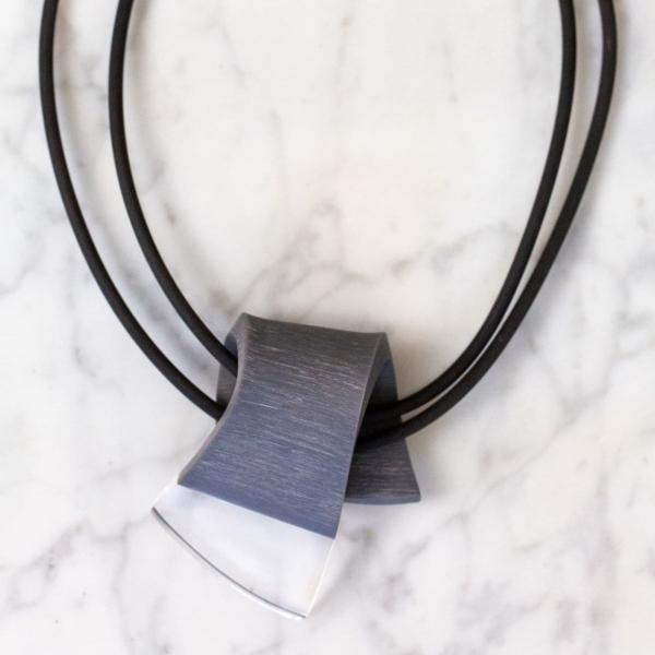 Collier pendentif en cristal acrylique